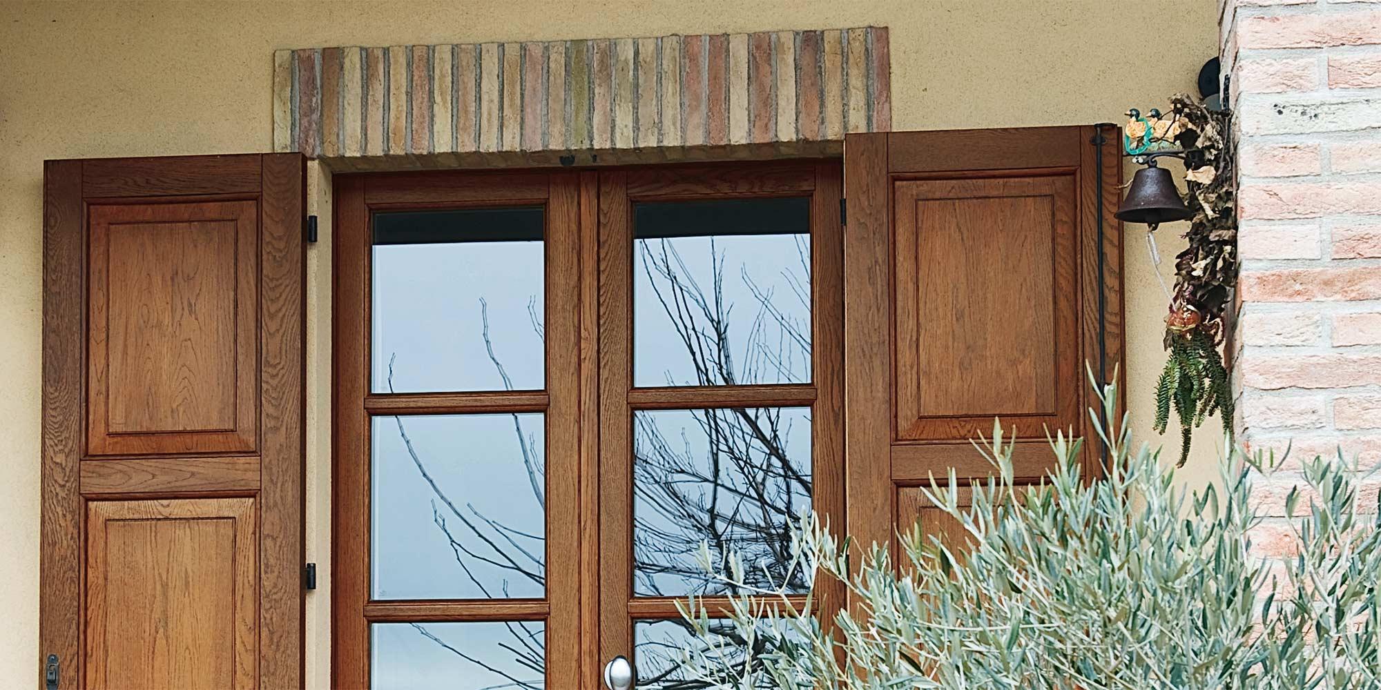 Infissi alluminio legno pvc futura infissi a fano pu for Infissi pvc legno