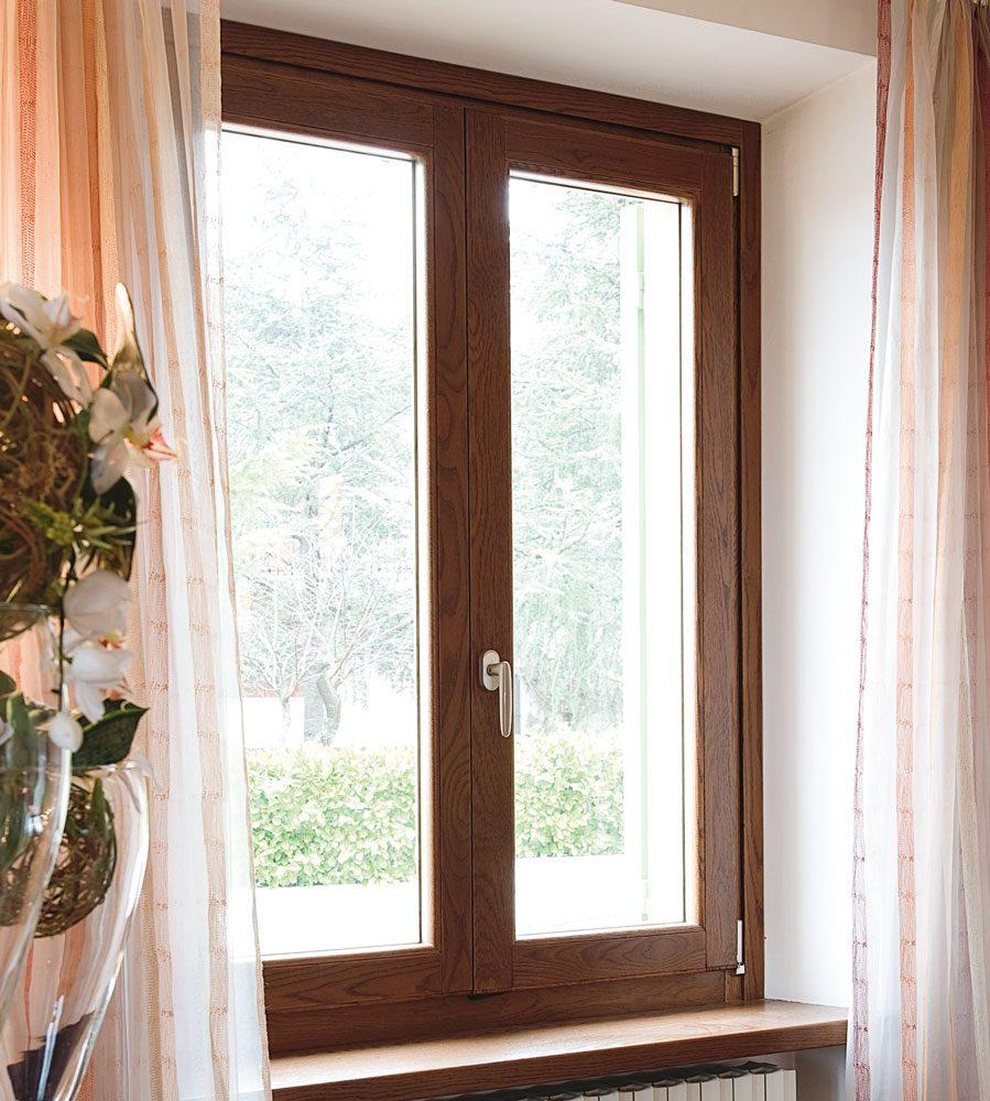 Infissi fano infissi in alluminio pvc e legno futura infissi - Porte finestre legno ...